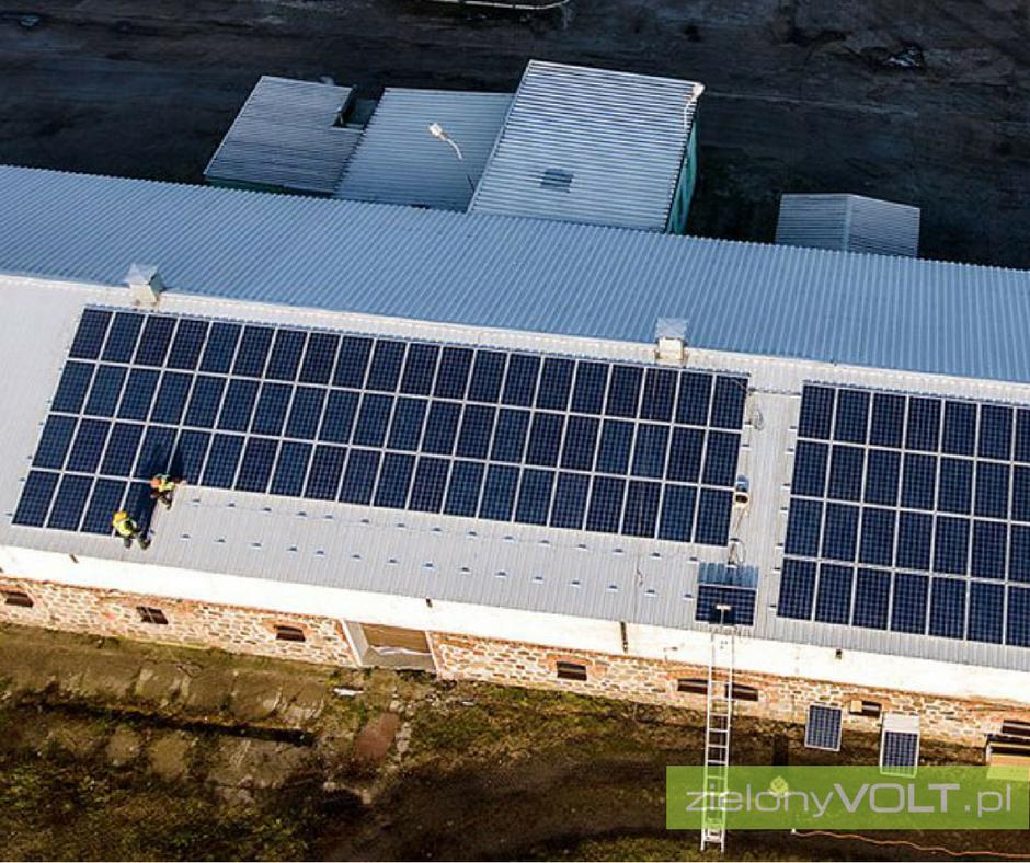 montaz-paneli-fotowoltaicznych-gospodarstwo-rolne-blacha-trapezowa-zielonyVOLT-2